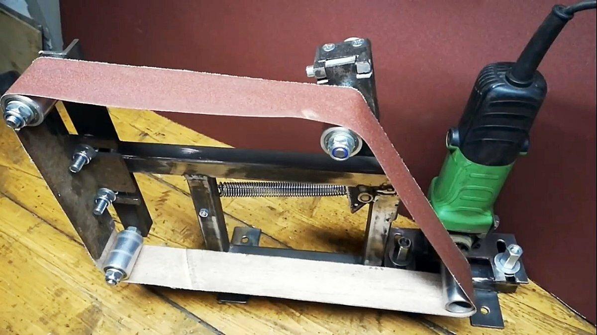 1565065563 1 0 14 22 545 - Как самому сделать ленточно - шлифовальный станок из болгарки